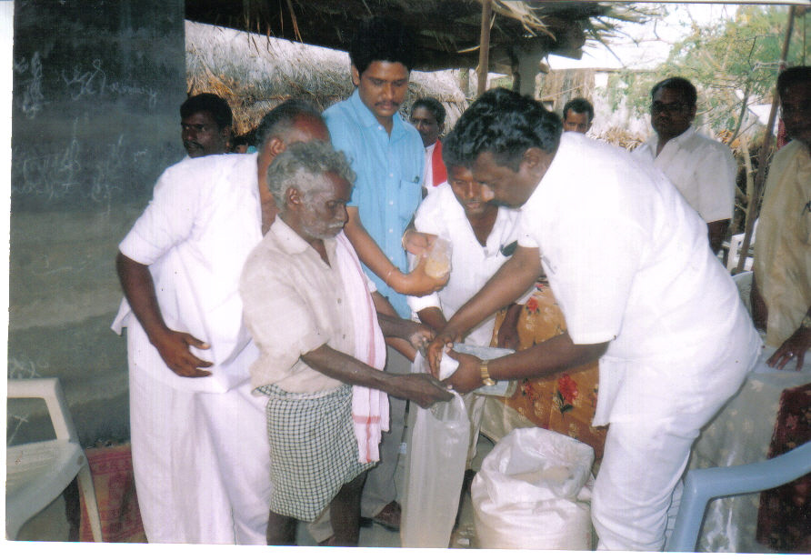 distribution-of-releif-to-cyclone-affected-families