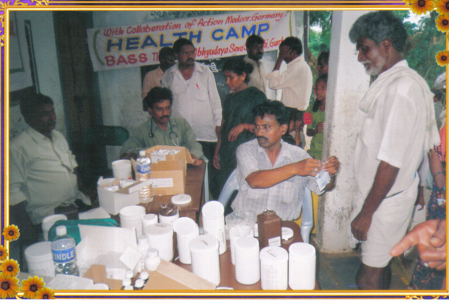 medical-checkups-in-a-village